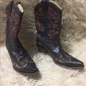 Corral cowboy boots. 9.5